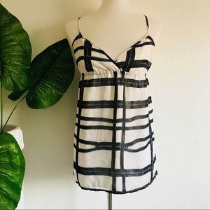 Volcom    white zipper pattern tank top